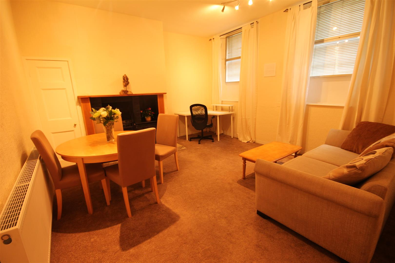 A Victoria Square Newcastle Upon Tyne, 1 Bedrooms  Apartment ,To Let